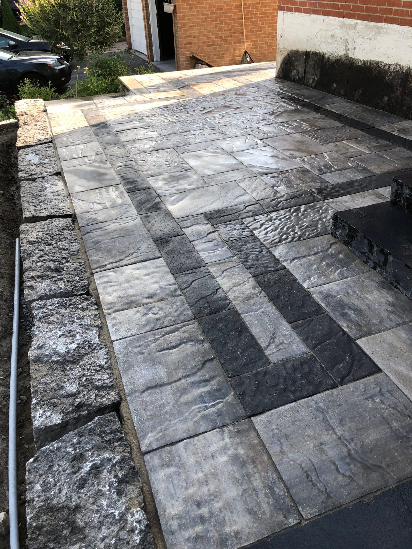 interlock dark stones