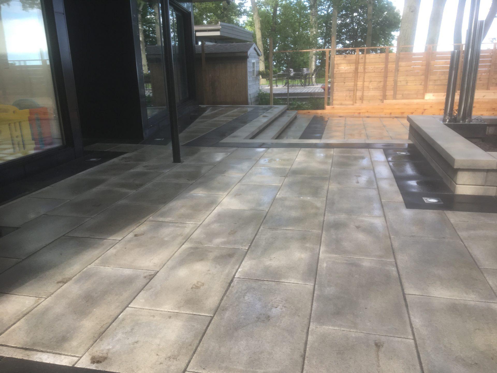 interlocking patio stones